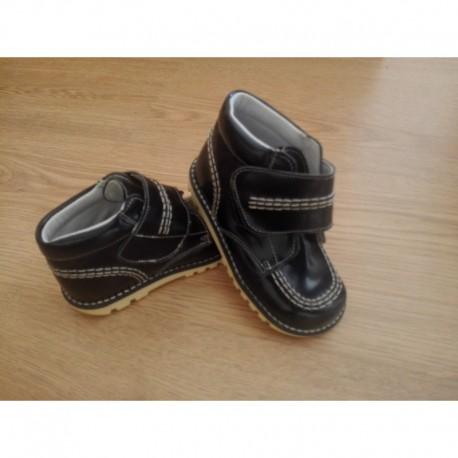 Comprar ropa de niño online Botita estilo kikers, fabricado en