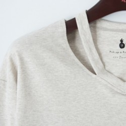 Camiseta con el cuello abierto - Newness - KGI-18WP-B6001