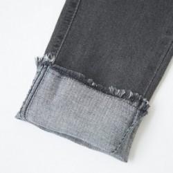 Pantalon tejano con rotura en rodilla
